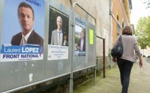 Panneaux électoraux à Brignolles (Var) L'effondrement du vote de gauche et ce score du FN sont donc comme un écho de situations électorales passées et comme une avant-première des élections municipales et européennes de 2014.
