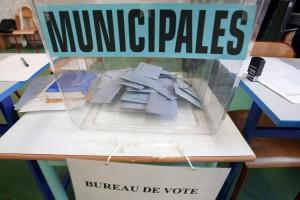 622588-urne-dans-un-bureau-de-vote
