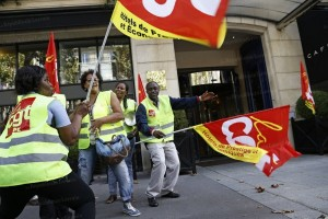 Palace : Les femmes de chambre obtiennent 420 euros de plus par mois