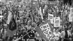 Mai 2013, la manifestation appelée par le Front de Gauche avait été lancée autour de l'idée de donner un coup de balai dans la politique de Hollande mais le PCF avait trouvé le slogan trop radical...