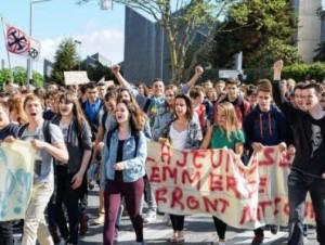 manif lycéenne anti fn