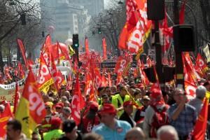 Ni Valls-Hollande,  ni Sarko, ni Le Pen… Pour une lutte tous ensemble!