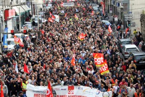 Il nous faut un mouvement d'ensemble, tous dans la rue !