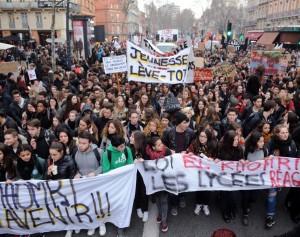 lycéens-dans-la-rue-contre-la-loi-El-khomri
