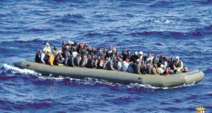 1898009_237_bateau-pneumatique-charge-de-migrants-1600_800x426p