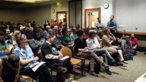 Ces dernières semaines, « Movement4Bernie » et Socialist Alternative ont organisé des dizaines de meetings pour parler de la manière de construire la révolution politique. La photo ci-dessus a été prise à Berkley, en Californie, où 200 personnes étaient présentes.