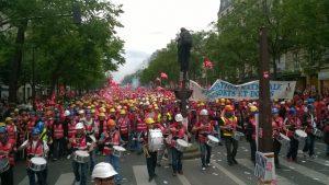 Grand cortège des dockers à la manifestation nationale du 14 juin à Paris