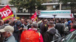 Le stand de la France insoumise à la manifestation du 12 septembre 2017 à Paris