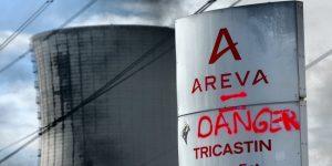 2013-05-29_Greve-salaries-Tricastin_panneau-Areva_danger