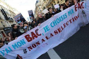 lyceens-manifestent-contre-Parcoursup-Paris-1er-fevrier-2018_0_729_486