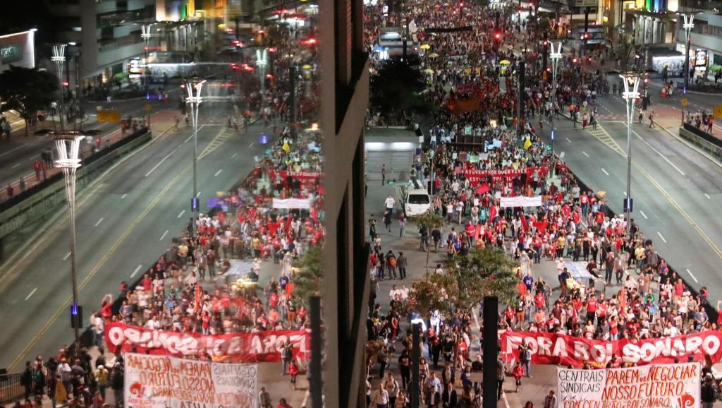 2019-06-14t222455z_1719345191_rc115ee67670_rtrmadp_3_brazil-politics-strike_0