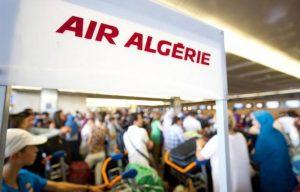 830x532_panneau-air-algerie-greve-personnel-naviguant-compagnie-nationale-algerienne-air-algerie-voyageurs-bloques-aeroport-paris-orly-paris-12-juillet-2011
